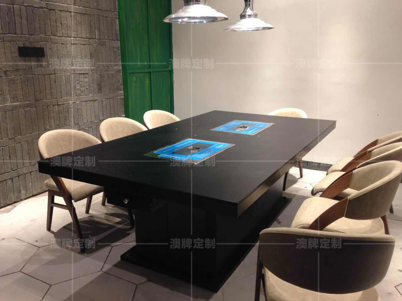 Z67B防滑玻璃类似雷竞技这种靠谱的桌+DT28.jpg